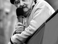 """""""Nada vale m�s que una vida, luchen por la felicidad"""" Mujica"""